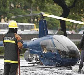 Em 2005, helicóptero faz pouso forçado em São Paulo
