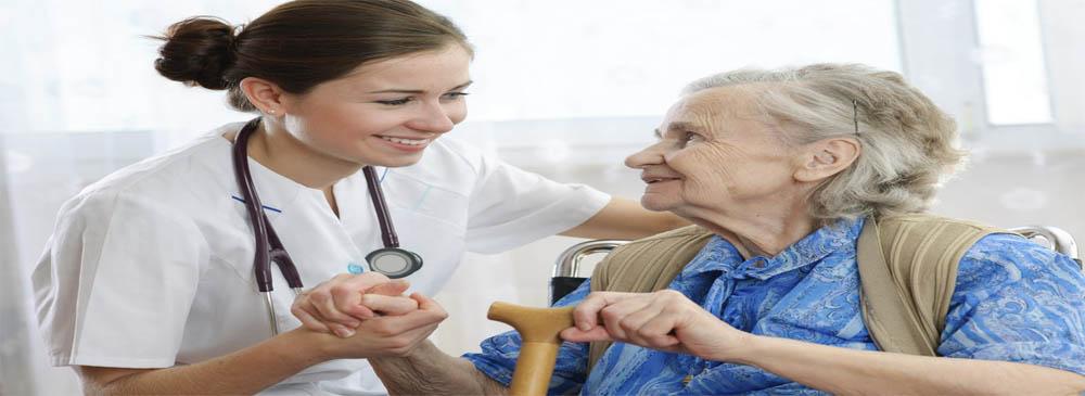 Planos de saúde: projeção da FenaSaúde aponta a proporção de um idoso para cada jovem em 2027