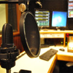 Porto Seguro Conecta une rádios Kiss FM e 89 FM no Dia Mundial do Rock