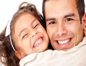 Pais contribuem com R$ 234 por mês em planos de previdência para menores na Brasilprev