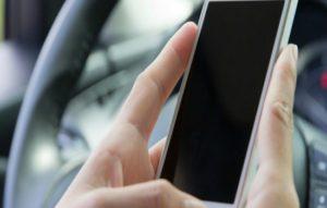 Grupo Bradesco Seguros e Waze oferecem serviço exclusivo de SOS nas estradas, com chamadas de assistência.