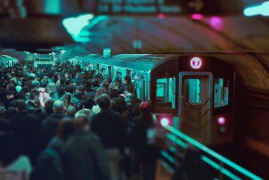 Endocrinologistas fazem ação pela saúde em metrô de SP