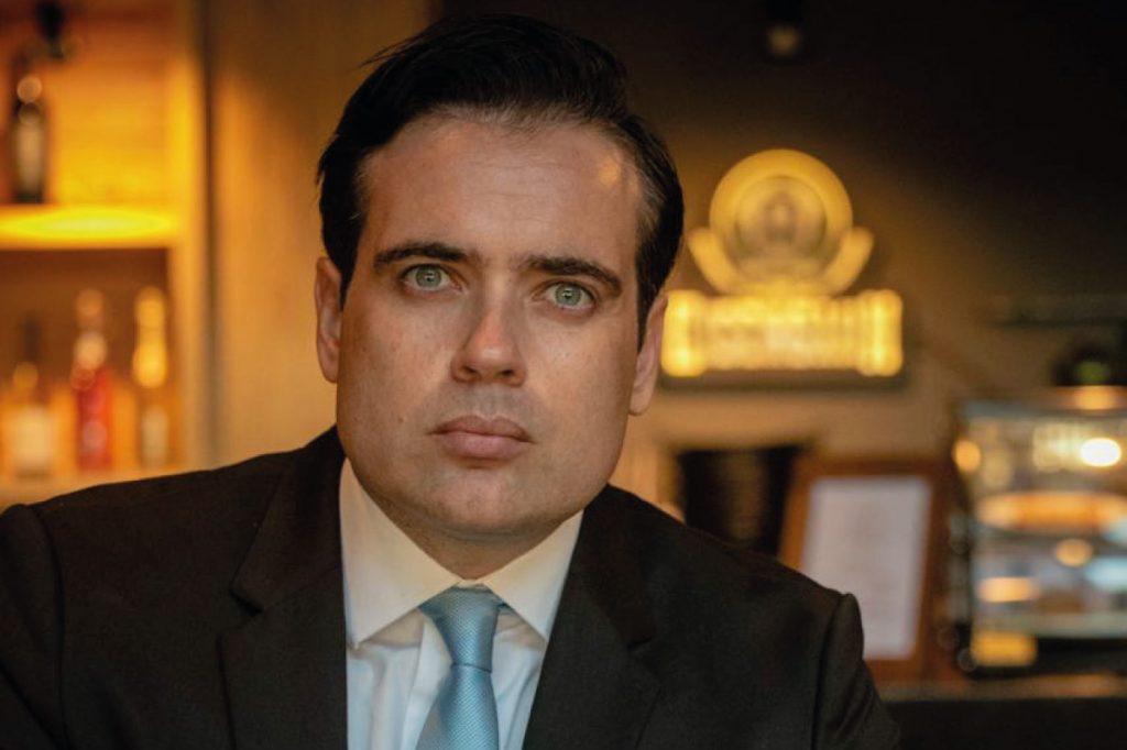 """Tiago Melo: """"Quando a noite está mais escura, é porque estamos mais próximo do amanhecer"""""""