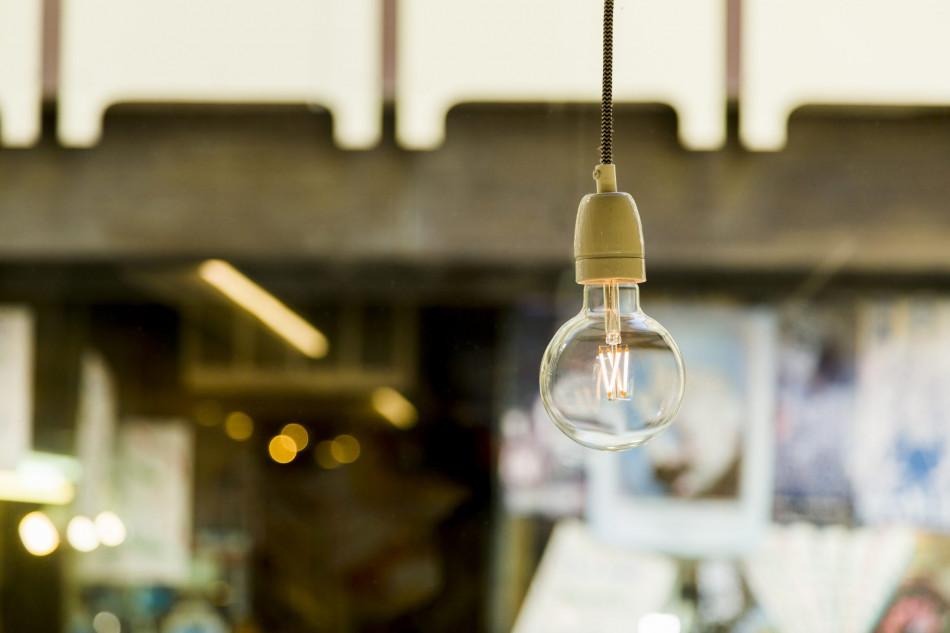 8 dicas simples e práticas para economizar energia elétrica em casa