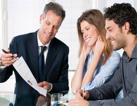 De acordo com estudo divulgado pelo Sincor-SP, mais de 70% dos consumidores ainda preferem o contato humano na hora de contratar um seguro