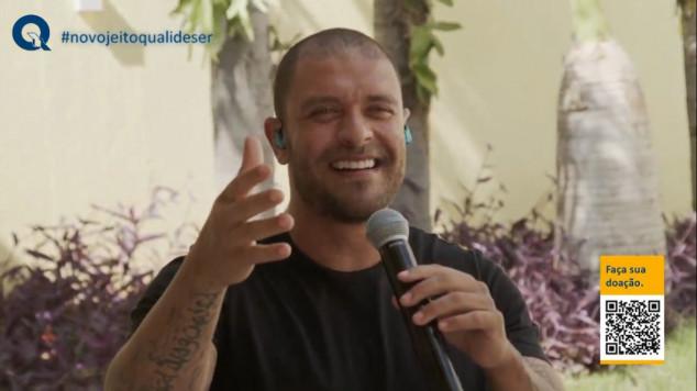 Diogo Nogueira leva música, alegria e esperança em live promovida pela Qualicorp