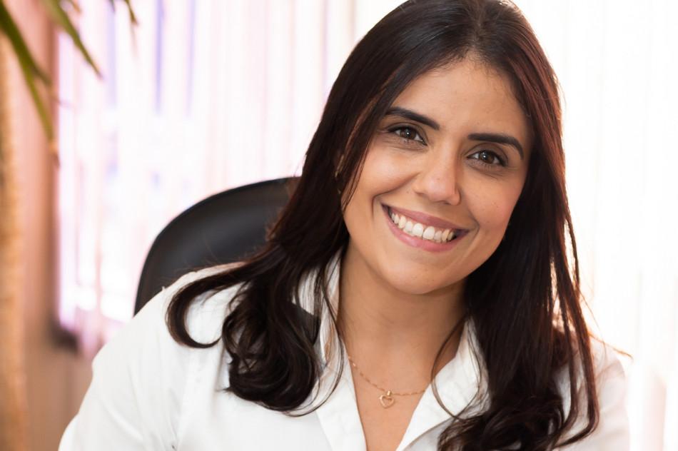 Dra. Viviane Ricardo de Mello