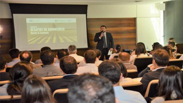 JLT participa de seminário sobre o mercado de agronegócio