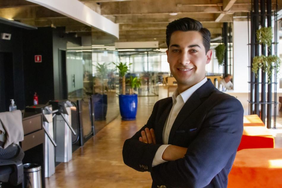 Corretor destaca gestão de vendas e relevância de benefícios em live da Seguro Total