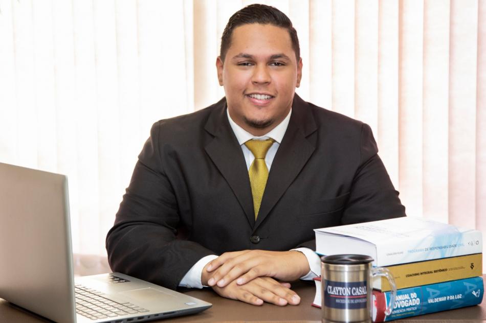 Matheus Pereira de Alencar - Estagiário no Escritório Clayton Advogados