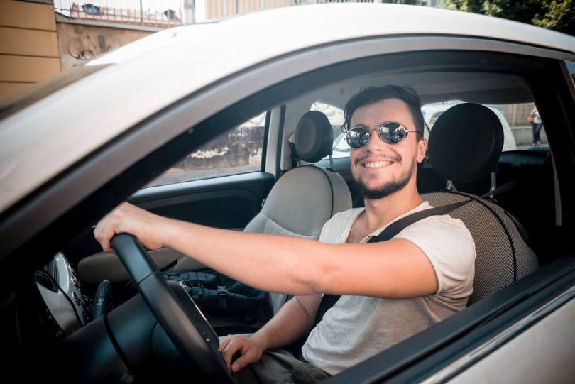 Suhai Seguradora tem seguro para motoristas de aplicativos e taxistas