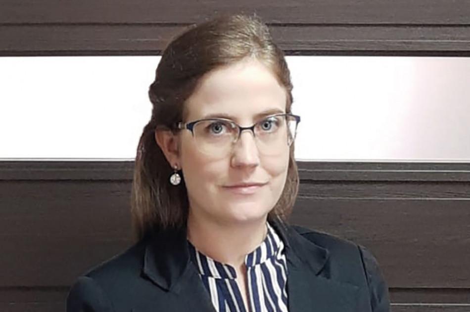 CATHERINE DE ANDRADE COLLE é advogada empresarial no Rücker Curi Advocacia e Consultoria Jurídica