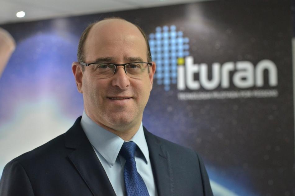 Roberto Posternak, diretor comercial da Ituran Brasil