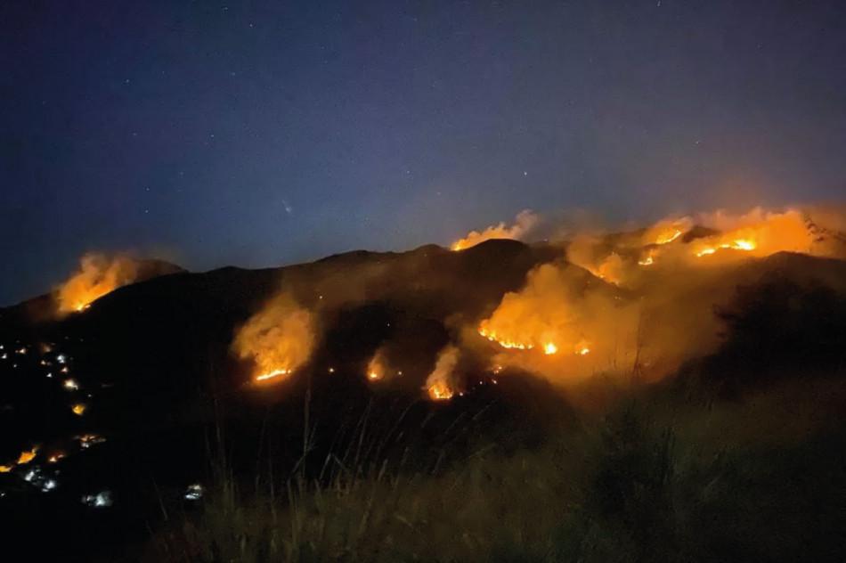 Homem tenta dar golpe no seguro e causa incêndio de grandes proporções, no RJ