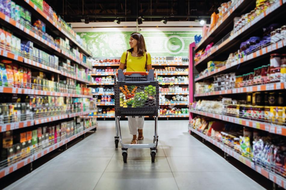 Gôndolas para lojas: o que são e por que utilizá-las em sua loja