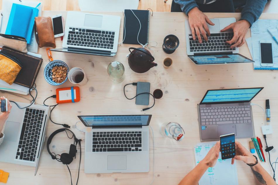 Confira a importância de contar com a tecnologia em ambiente de trabalho