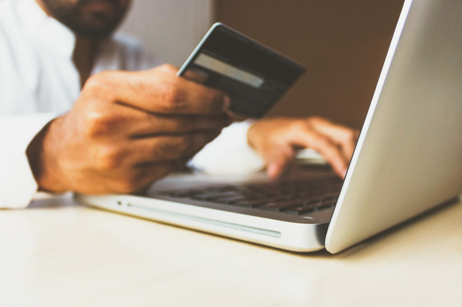 Compras on-line e comportamento seguro na internet devem caminhar juntos