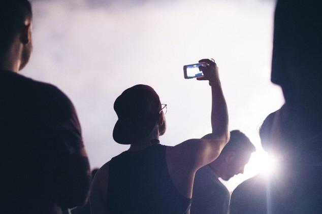 Smartphones são alvo de furto e roubo durante o carnaval