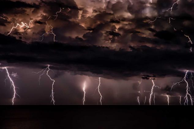 Chuvas de verão: como prevenir prejuízos financeiros e danos à saúde